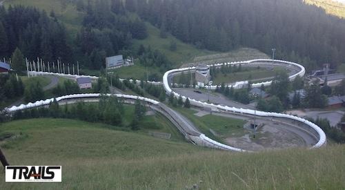 Passage dans la piste de bobsleigh lors de la 6000 D