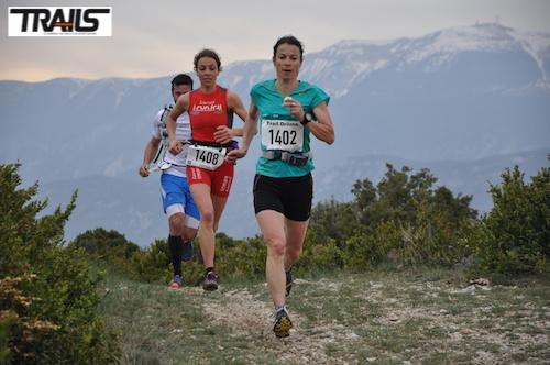 Stephanie Duc au départ des Championnats de France de Trail 2014